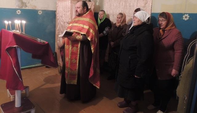 В день Радоницы в селе Можарка совершилось пасхальное поминовение усопших
